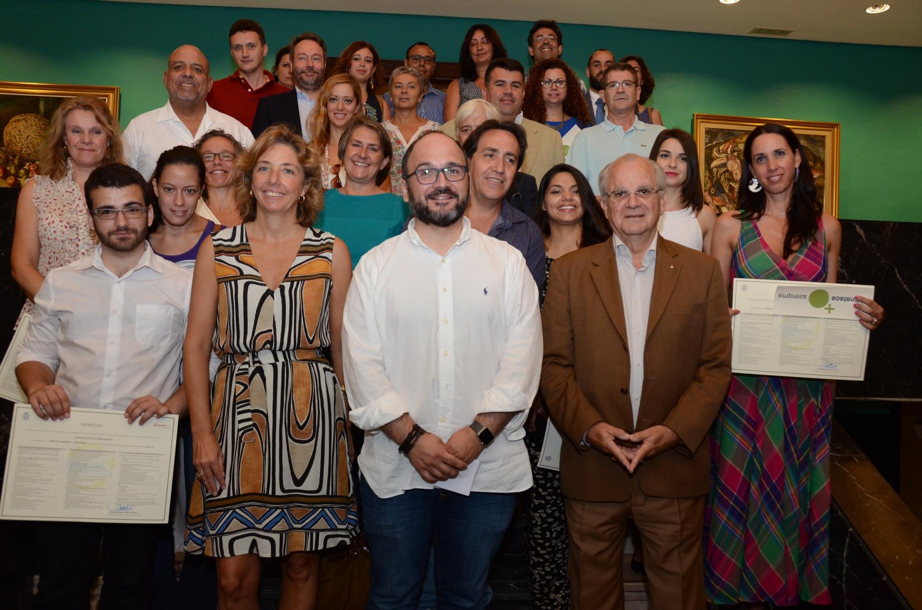 Empresas + sostenibles-Certificados 2016 Foto grupo 1